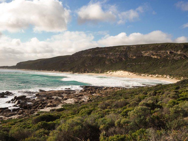 Contos spring beach