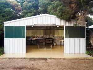 Hopetoun Caravan Park camp kitchen
